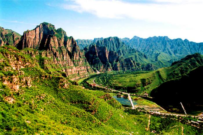 中国房山地质公园附近鲜花店,房山地质公园周围哪有鲜花店?