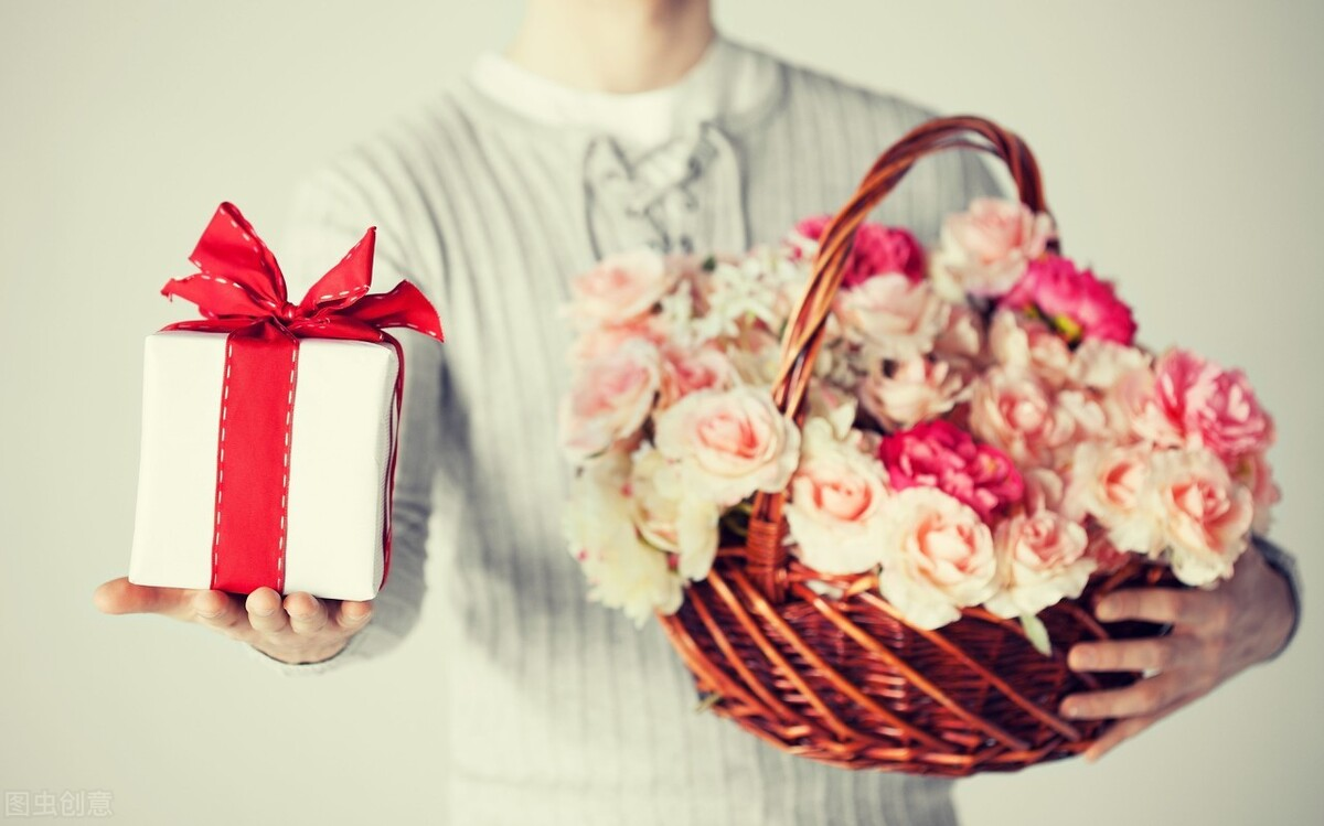 万圣节有什么适合送给女友的礼物?