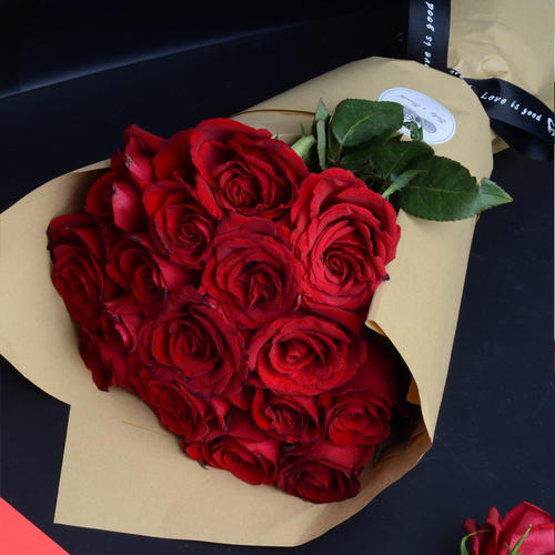 送女朋友玫瑰花的数量图片